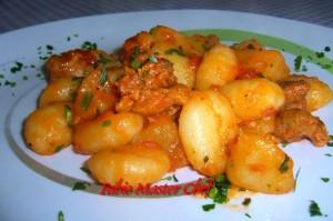 Gnocchi con Patate e Salsiccia