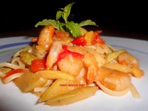 Linguine con Zucchine, Gamberetti, Zafferano e Menta