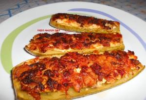 Zucchine Ripiene con Salsiccisa, Scamorza e Uova Sodo